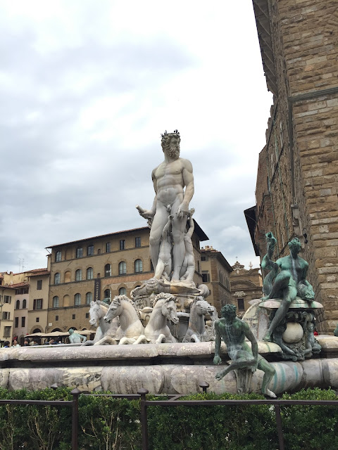 Things To Do And See In Florence, Italy, Florence, Travel, Tips, Sightseeing, Piazza della Signoria, Neptune Fountain, Statues