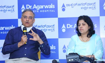 Dr. Ram Mirlay and Dr Archana addressing the media