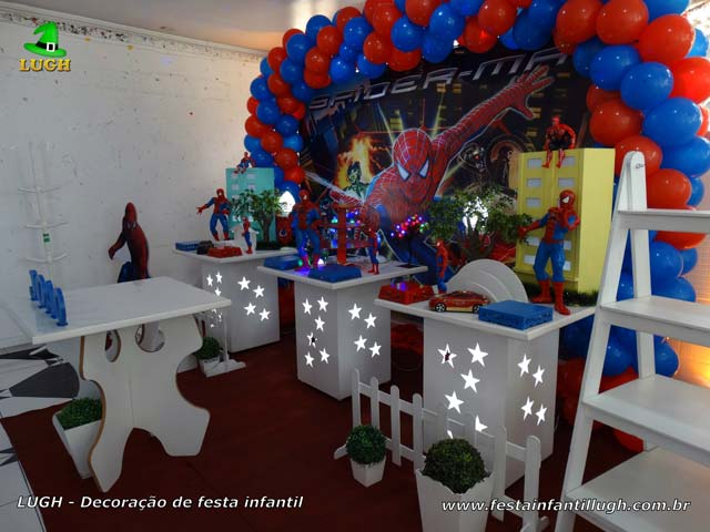 Mesa decorada provençal de aniversário tema Homem Aranha - Festa infantil