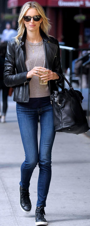 top + skinny jeans