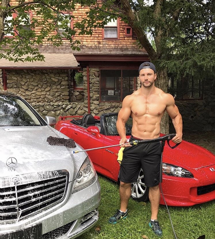 luxurious-fit-daddy-muscle-cars-show-off-sixpack-abs-dilf