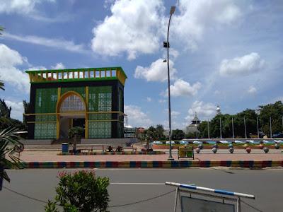 Gapura Nusantara di Alun-alun Kota Pekalongan
