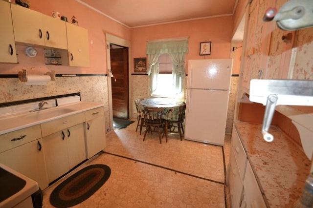 color photo of kitchen Sears Winona 3 Prospect St High Bridge NJ