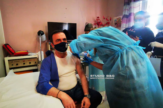 Κορωνοϊός: Ξεκίνησαν οι εμβολιασμοί στο Γηροκομείο Ναυπλίου (βίντεο)