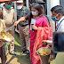 उपायुक्त ने मुख्यमंत्री निशुल्क चलंत भोजनालय के माध्यम से असहाय परिवारों के बीच अंडा सोयाबीन कड़ी और चावल का किया वितरण