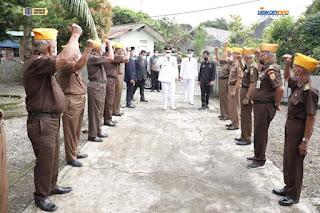 Peringati HUT Kemerdekaan ke-76 RI,  Wali Kota Binjai Berikan Bantuan Sembako Kepada Veteran