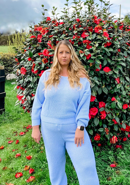 Blue off the shoulder knitted loungewear set