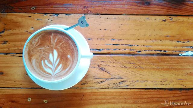 High Tea @ Breadboss Bakery Cafe; Cappuccino