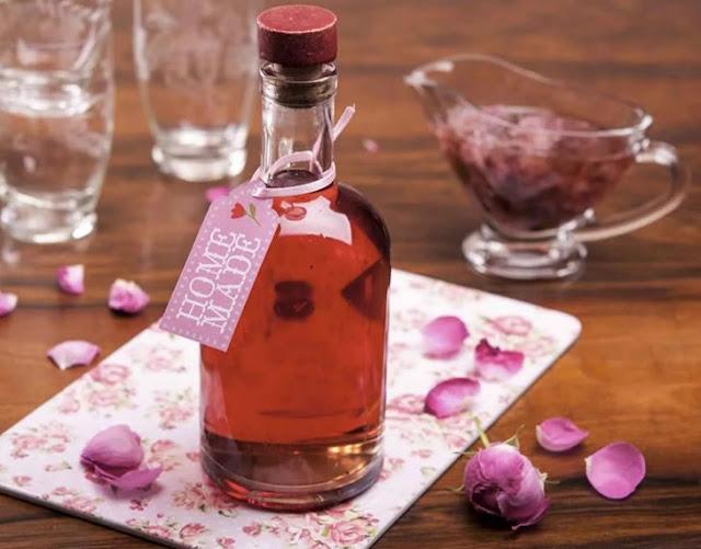 розовый шипучий напиток