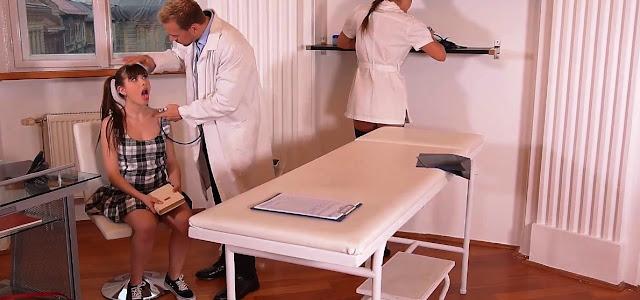 Доктор и молодая пациентка в студенческой больнице, секс-видео