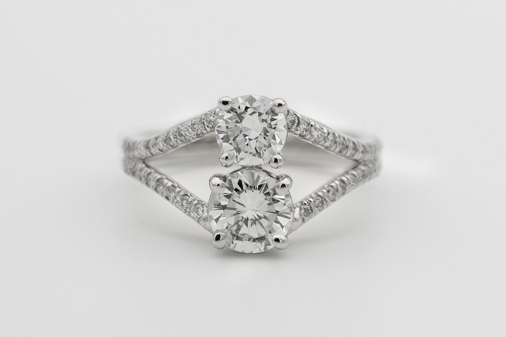 5 REASONS COLORLESS (WHITE) DIAMONDS ARE THE MOST POPULAR