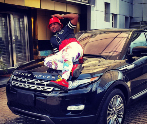 2 Armed robbers chased Oritsefemi's Range Rover SUV to crash
