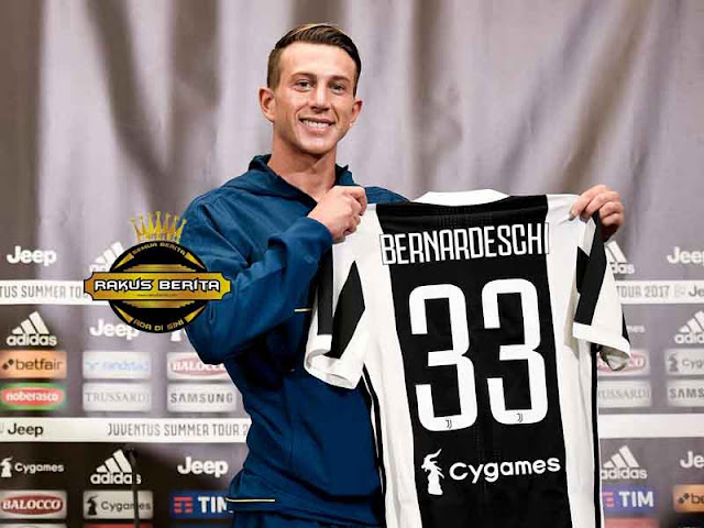 Selebrasi Di Kandang Fiorentina, Bernardeschi : Saya Pemain Juventus !