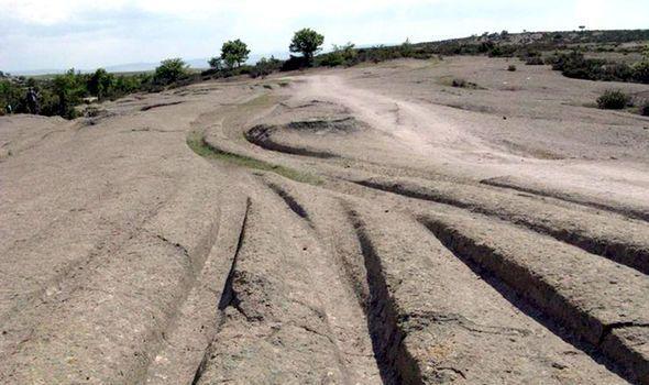 Cá nhà khoa học tìm thấy dấu vết của những chiếc xe cổ đại tồn tại từ 14 triệu năm trước