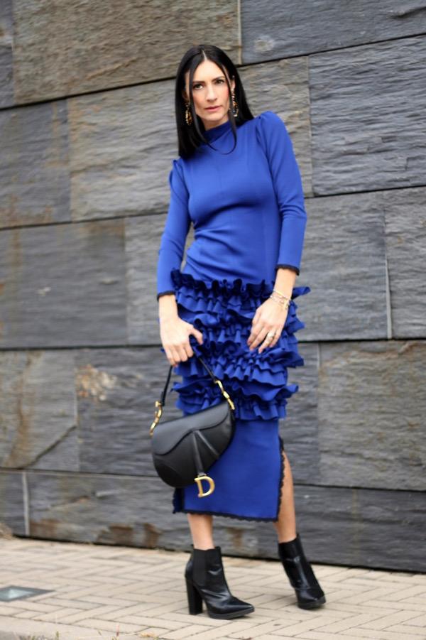 sylvia toledano, earrings, paola buonacara, fashion, fashionblogger, italian fashion blogger, abito blu elettrico, pfw, parisfashionweek, streetstyle, defileaparis, loisminimal, fashionbloggeritaliana, come abbinare abito blu, outfit autunno, abito da occasioni, saddle bag dior, bag dior, bag dior