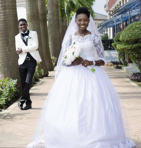 Nature At Its Best Nigerian Born Again Bride Rocks Natural