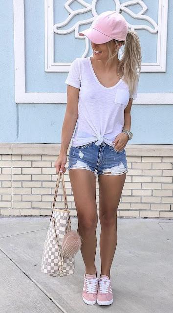 outfit con short y gorra