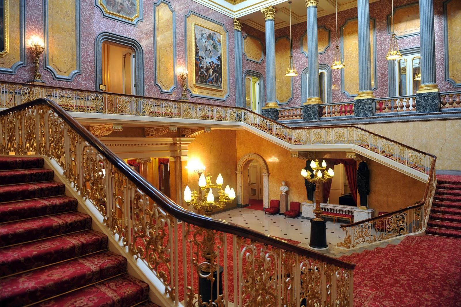 The Buckingham Palace | Most Visited Spot London | World ...