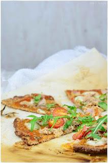 pizza de tofu- truco para Pizza de coliflor a la sartén- receta de masa de Pizza de coliflor- Pizza de coliflor masa hecha con coliflor- Pizza con base de coliflor