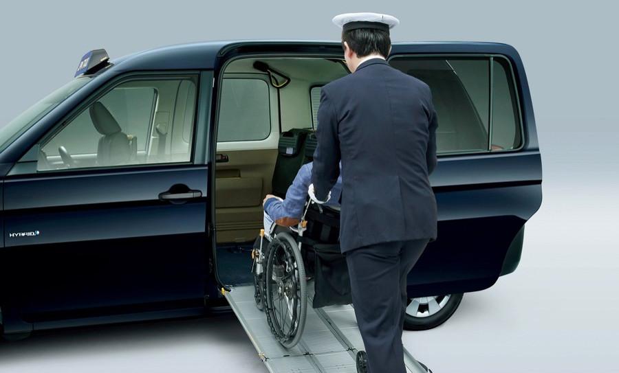 [Image: toyota_jpn_taxi_3.jpg]