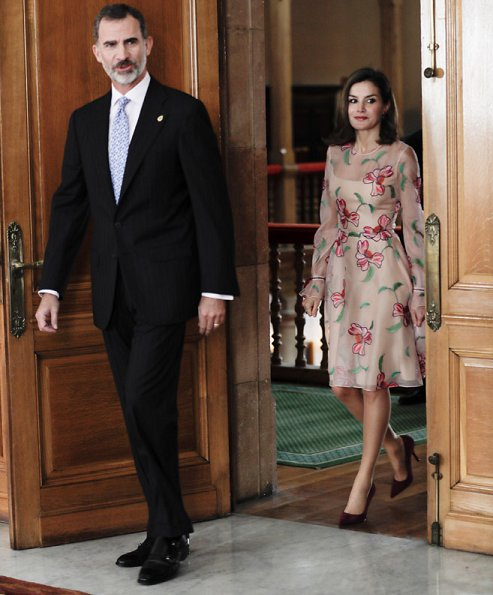 Queen Letizia wore Carolina Herrera Floral Embroidered Organza Dress at 2017 Princess of Asturias Awards ceremony