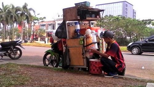 Kisah Ikin, Pedagang Keliling dengan Keuntungan Rp 13 juta Perbulan