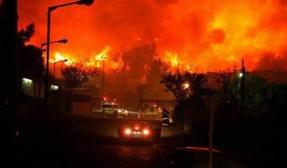 Israel Dikepung Kebakaran Besar Setelah Melarang Azan di Masjid al-Aqsa