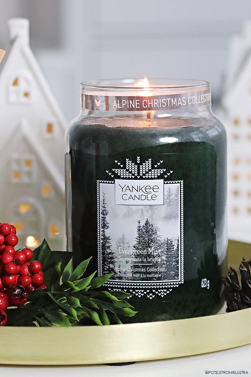 świeca yankee candle evergreen mist z zimowej kolekcji q4 2019 alpine christmas
