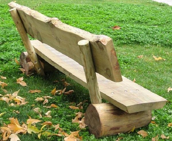Arte en el desv n madera en los muebles del jard n - Pergolas de troncos ...
