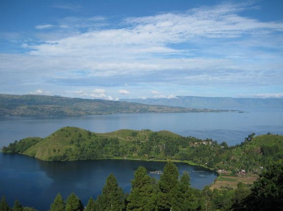 Toba Lake -The Most Beautiful Tourist Destination In North Sumatra, Indonesia