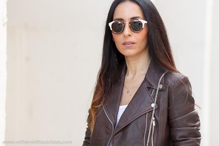 BLogger de moda con tendencias gafas de sol