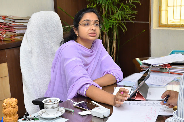 Swetha Mohanty addressing the officials in her office