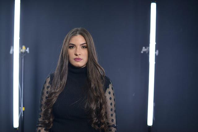 """Isabelle Dias lança a canção """"Tudo O Que Tenho é Teu"""""""