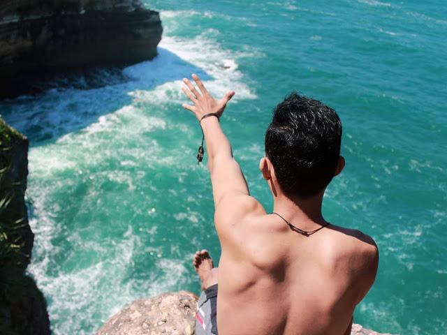 Pantai Ngitun atau Pantai Ngetun, Gunungkidul, Yogyakarta - Si Kecil nan Menawan