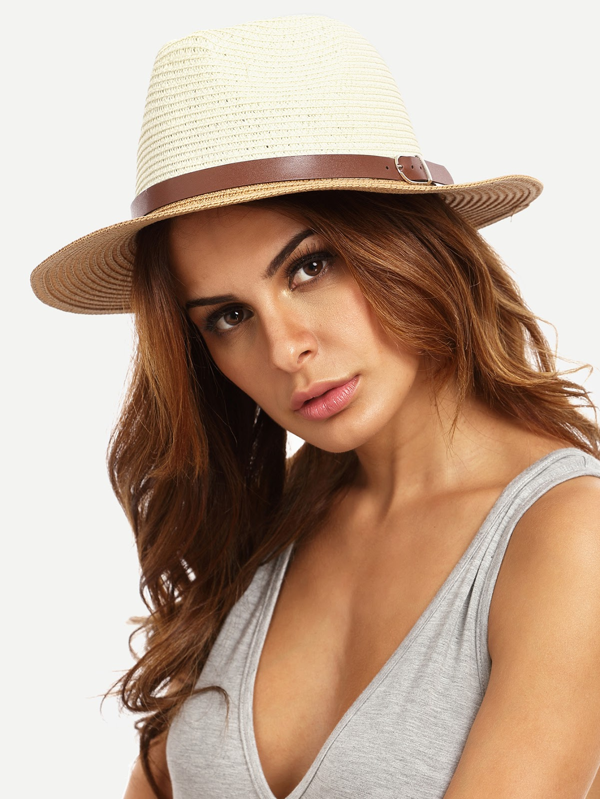 Ho infine scelto un cappello di paglia con una cinturina dello stesso  colore dei sandali. 2abaeb666b1