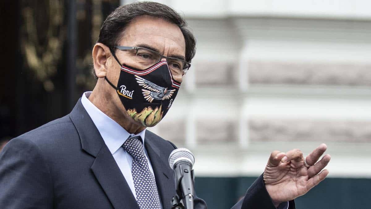 """El Congreso de #Perú destituye al presidente #Vizcarra: """"No tomaré ninguna acción legal"""" abandonará Palacio de Gobierno"""