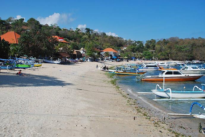 Playa de Padangbai, en Bali