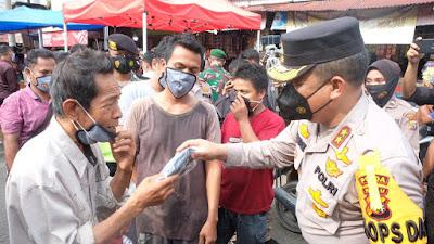 Kapolda Riau Bersama Pangdam I/ BB dan Gubernur Riau, Gelar Kegiatan Sosial Bantu Masyarakat