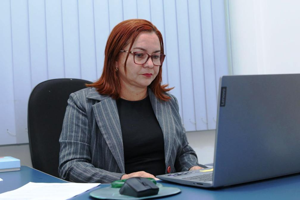 Vereadora abriga namorado e genro em seu gabinete na Câmara de Santarém
