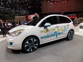 voiture du futur retour sur la technologie hybrid air de psa gen ve. Black Bedroom Furniture Sets. Home Design Ideas