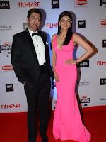 Kajal Agarwal at FilmFare 2016 Red Carpet-cover-photo