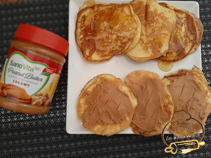 Pancakes cu unt de arahide si miere