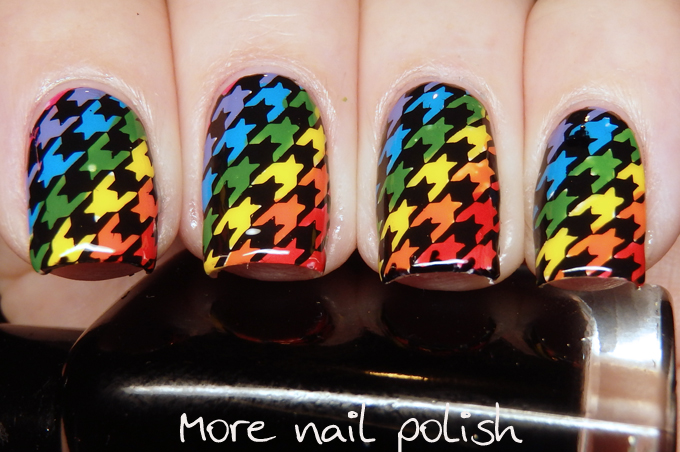 31DC2016 - Inspired by a pattern - houndstooth ~ More Nail Polish