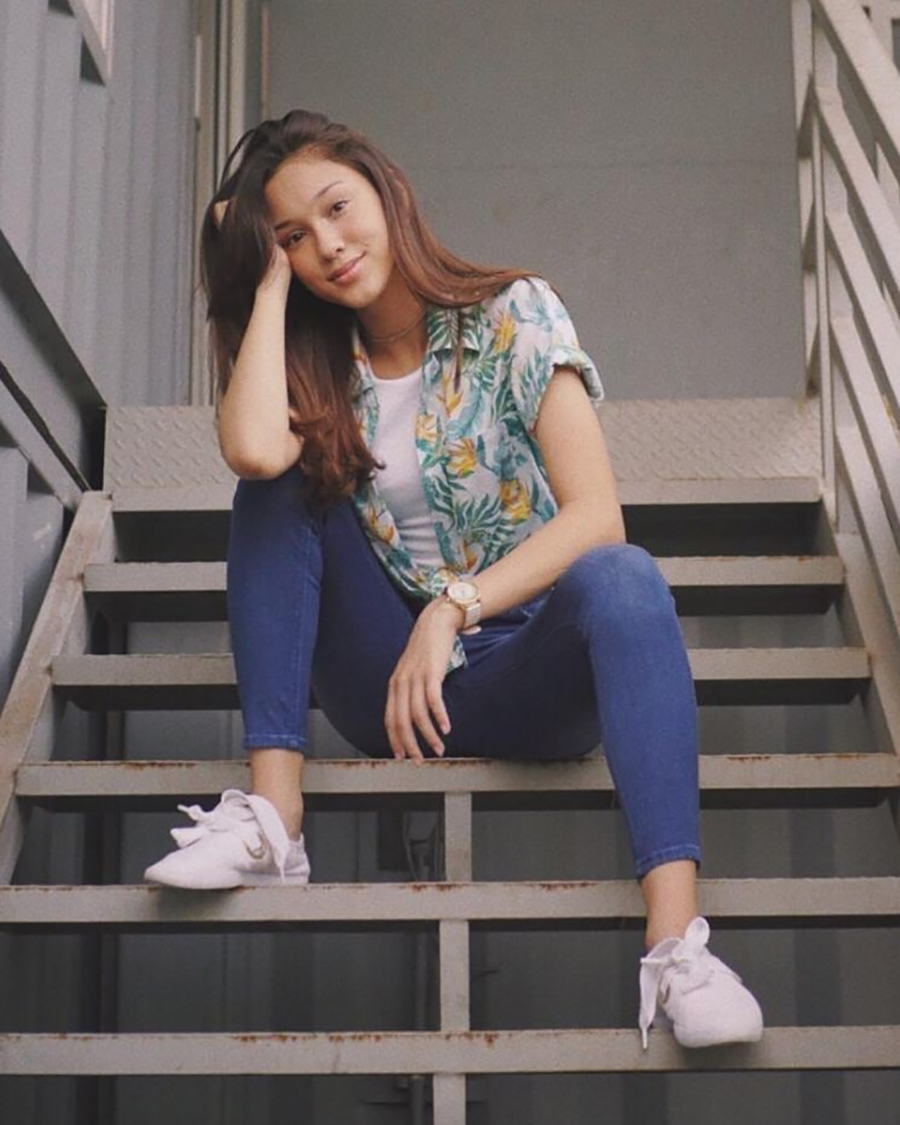 Jeans ketat artis sinteron Yasmin Napper