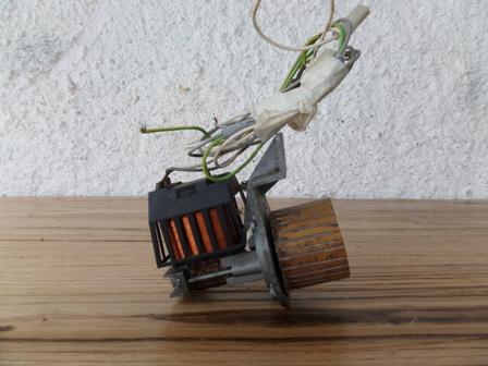 Motor de esgoto com polia adaptada