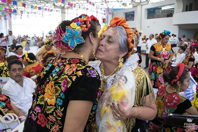tehuanas en fiesta