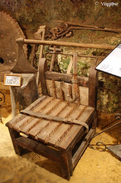 L'esposizione di strumenti di Tortura all'interno della Maison Forte de Reignac