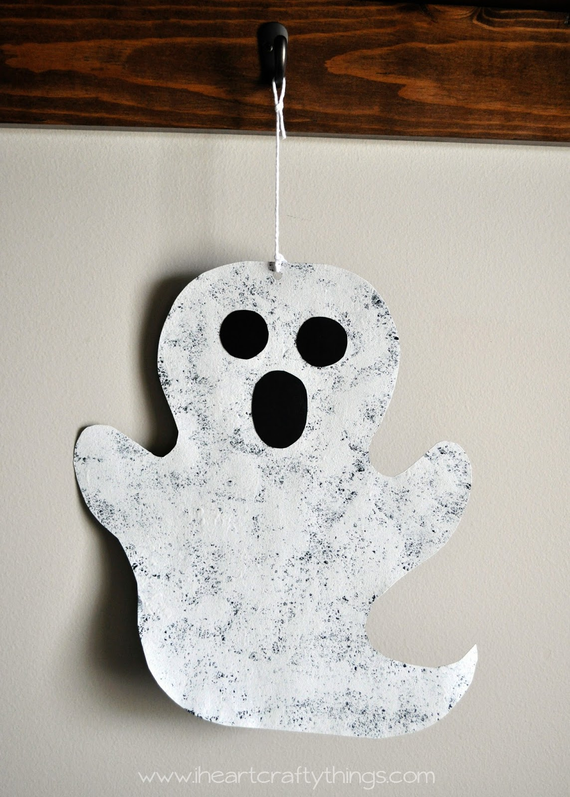 Oct 03,  · Halloween is just around the corner, so today we thought it would be fun to share some of the BEST Halloween crafts from around the web. There are so many talented bloggers out there. There are so many talented bloggers out there.