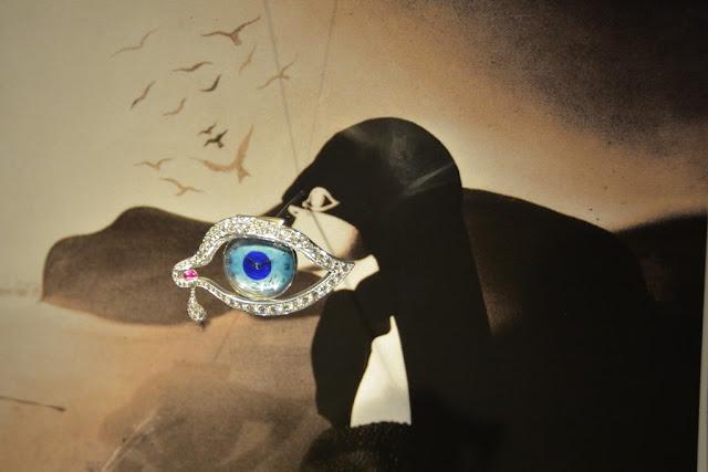 Dali Jewelry eye