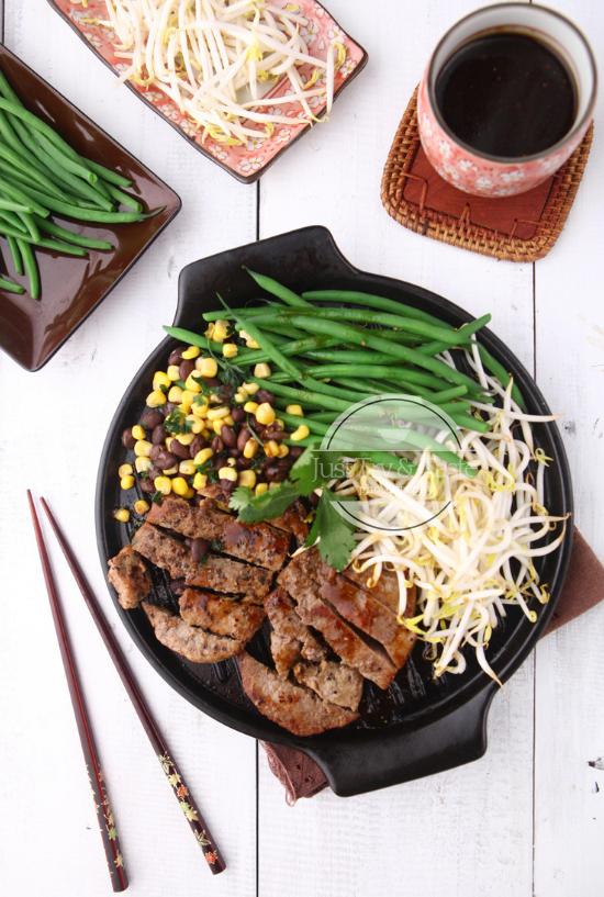 Resep Striploin Steak dengan Saus Bawang Jahe Madu